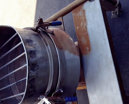 Dry Ice Blast Cleaning Service - metal components
